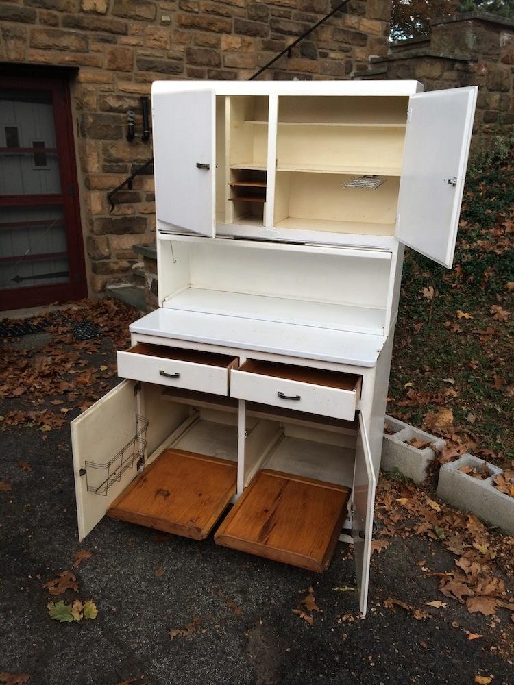 open bottom kitchen cabinets