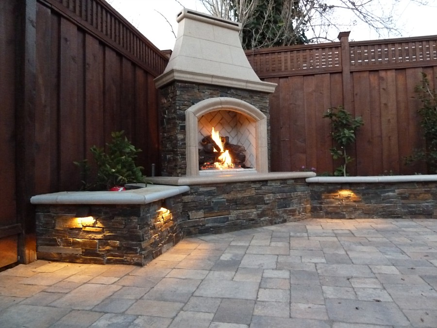 Image of: outdoor corner fireplace designs