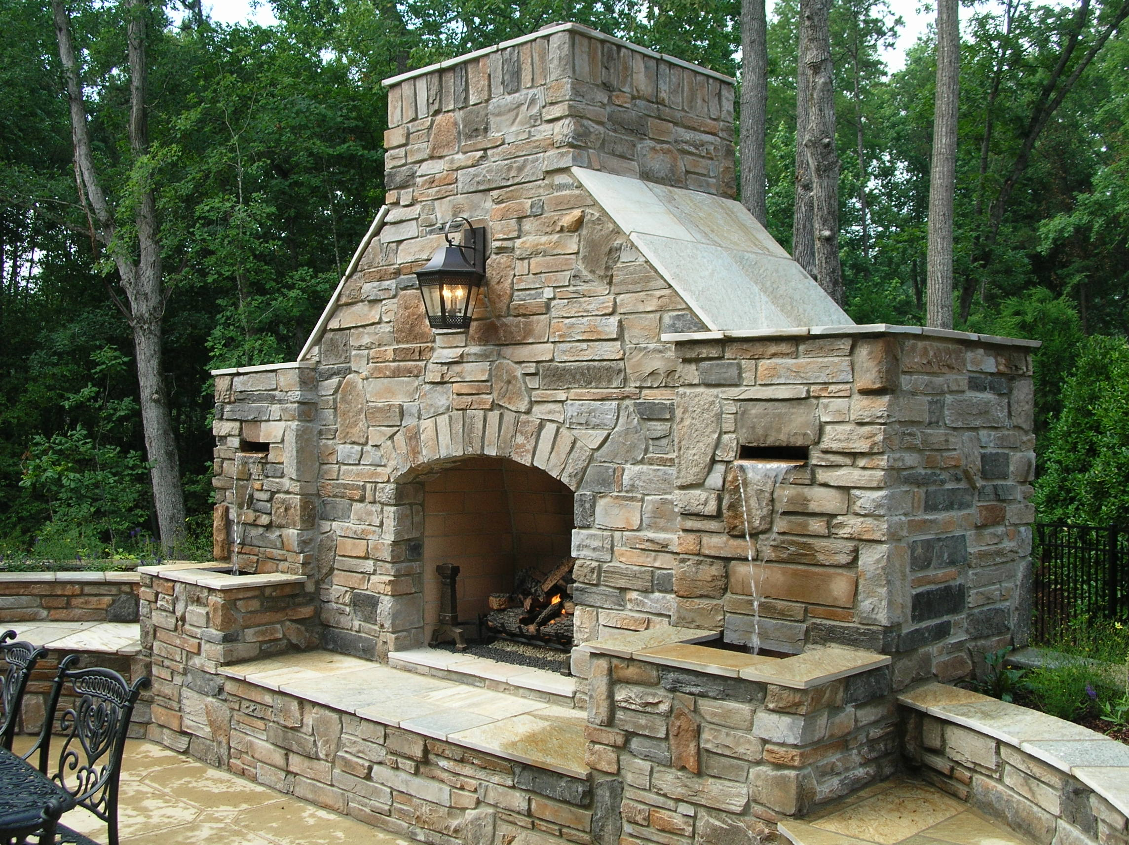 Image of: outdoor fireplace ideas build
