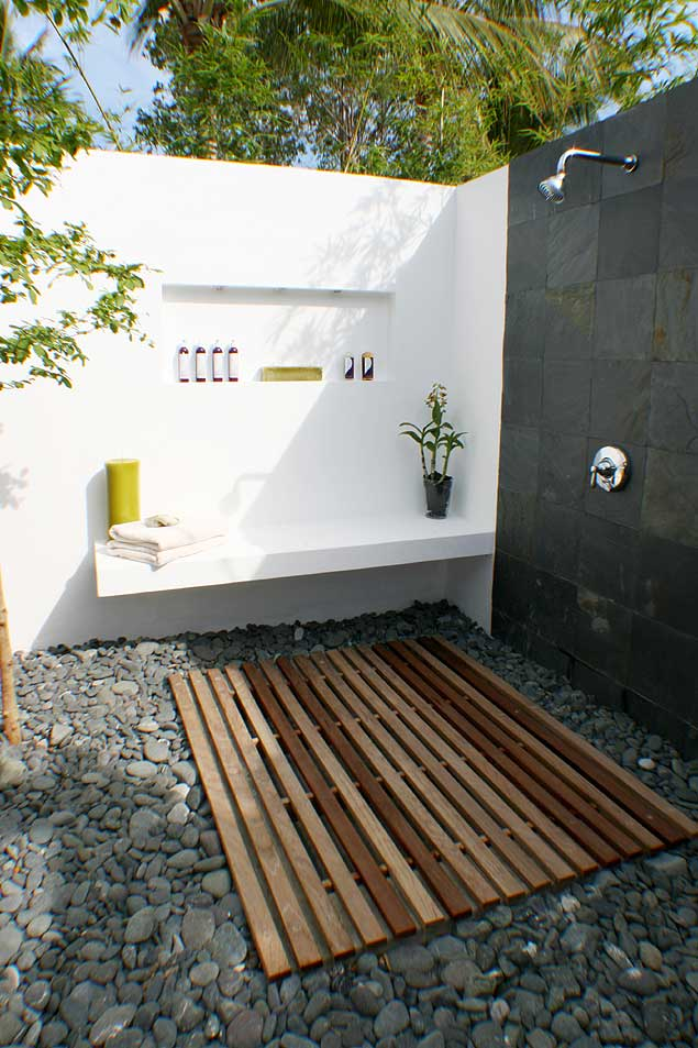 Image of: outdoor shower ideas beach