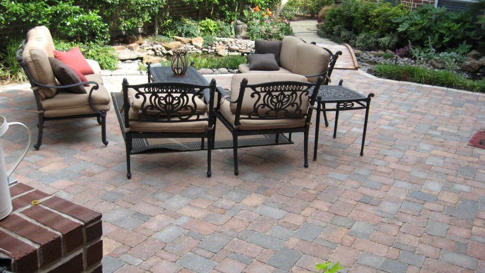 Image of: patio designs using pavers