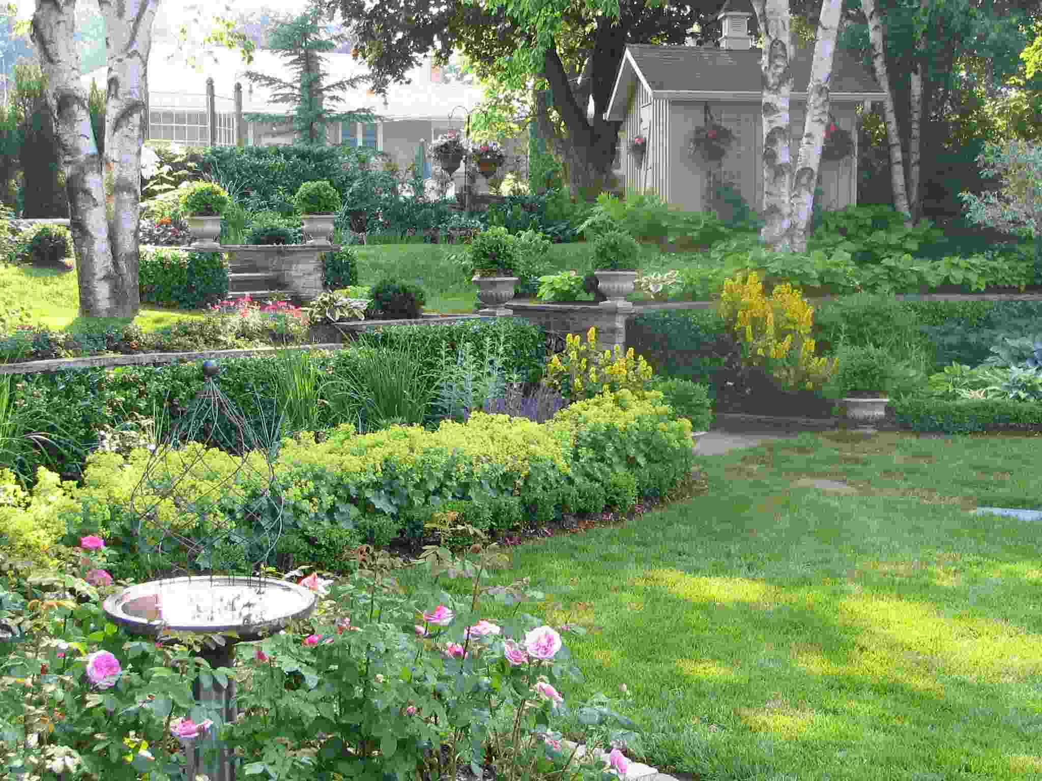 Image of: perennial shade garden design