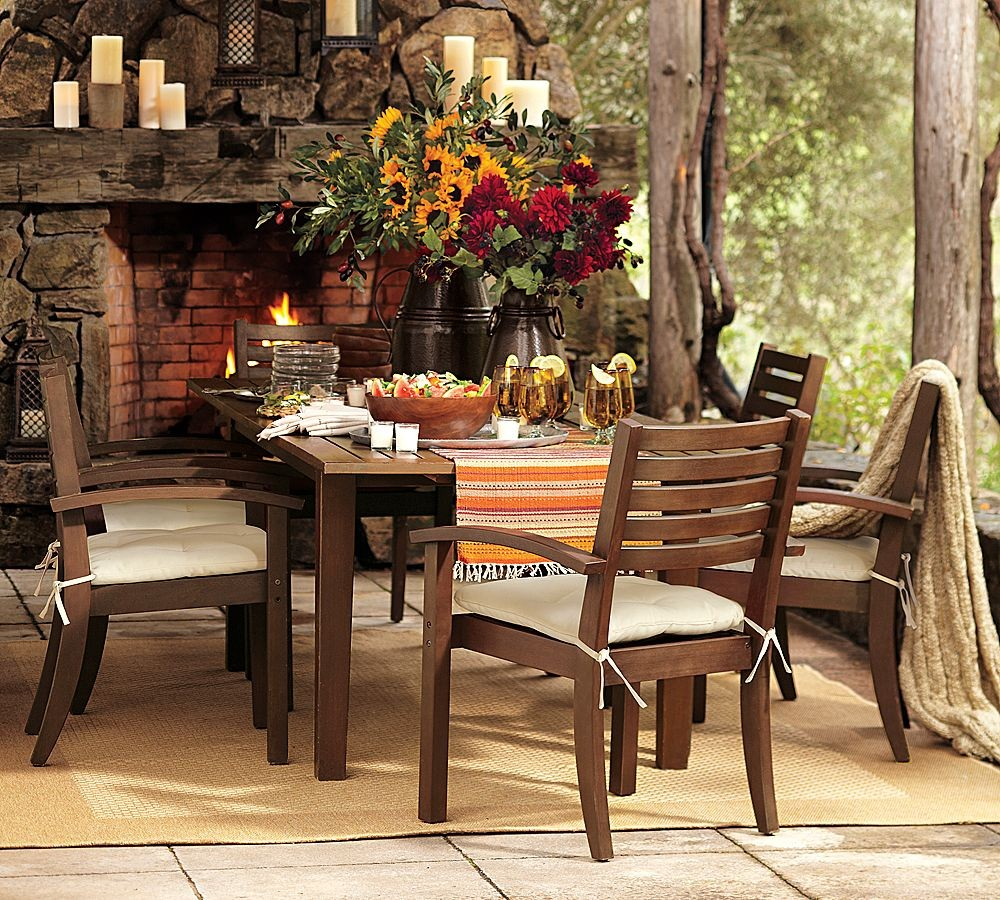 Image of: pottery barn benchwright table and chairs