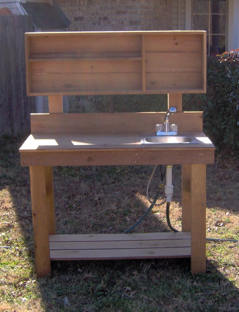 Image of: potting table bench with wet sink