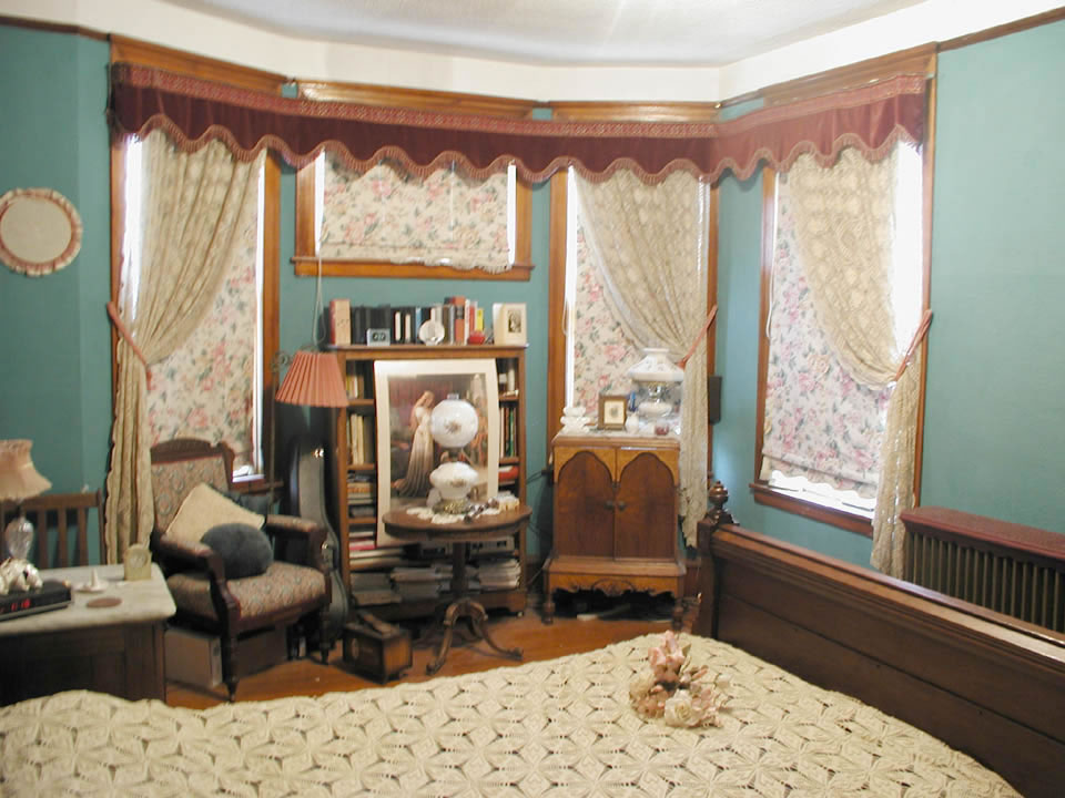 Image of: queen anne victorian interior design