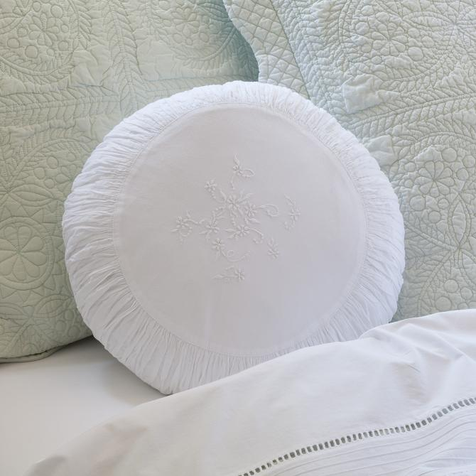 Image of: round white decorative pillows