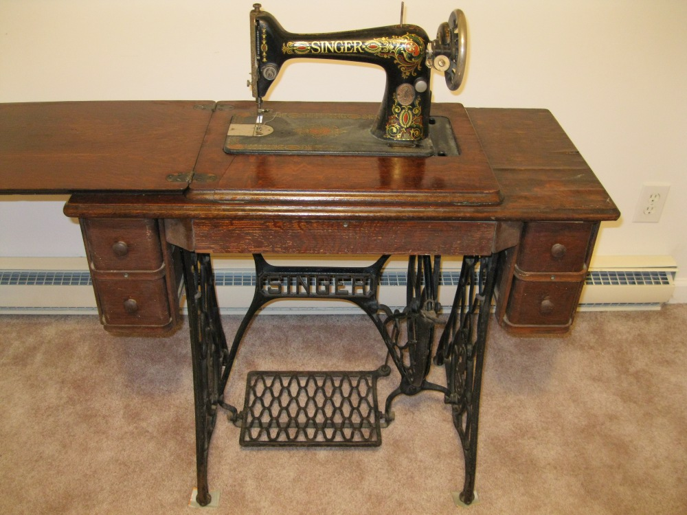 Image of: sewing machine table antique