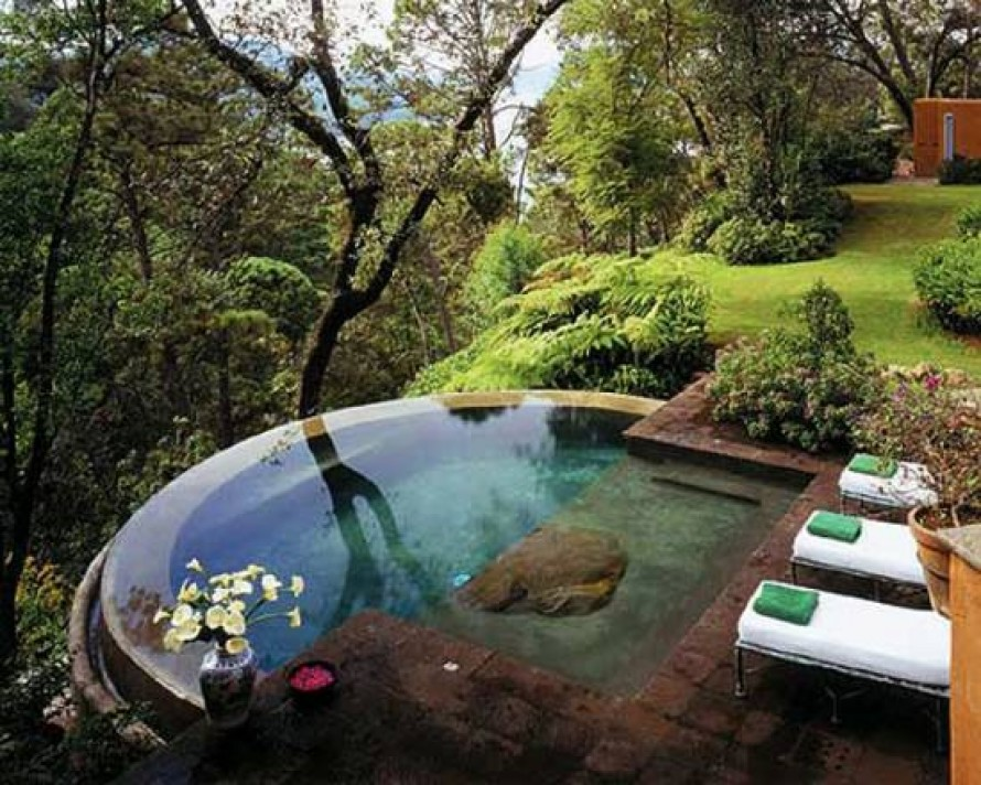 Image of: small backyard designs with a pool