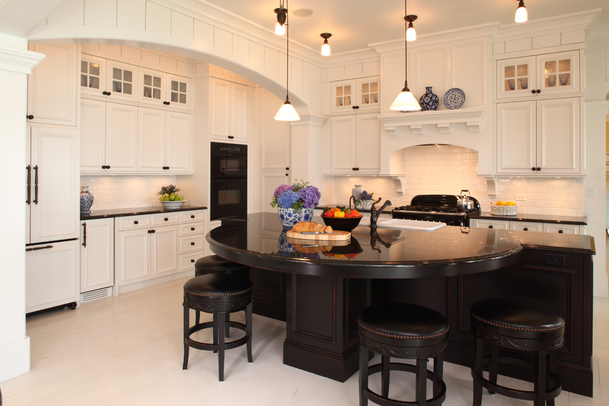 Image of: traditional black and white kitchen designs