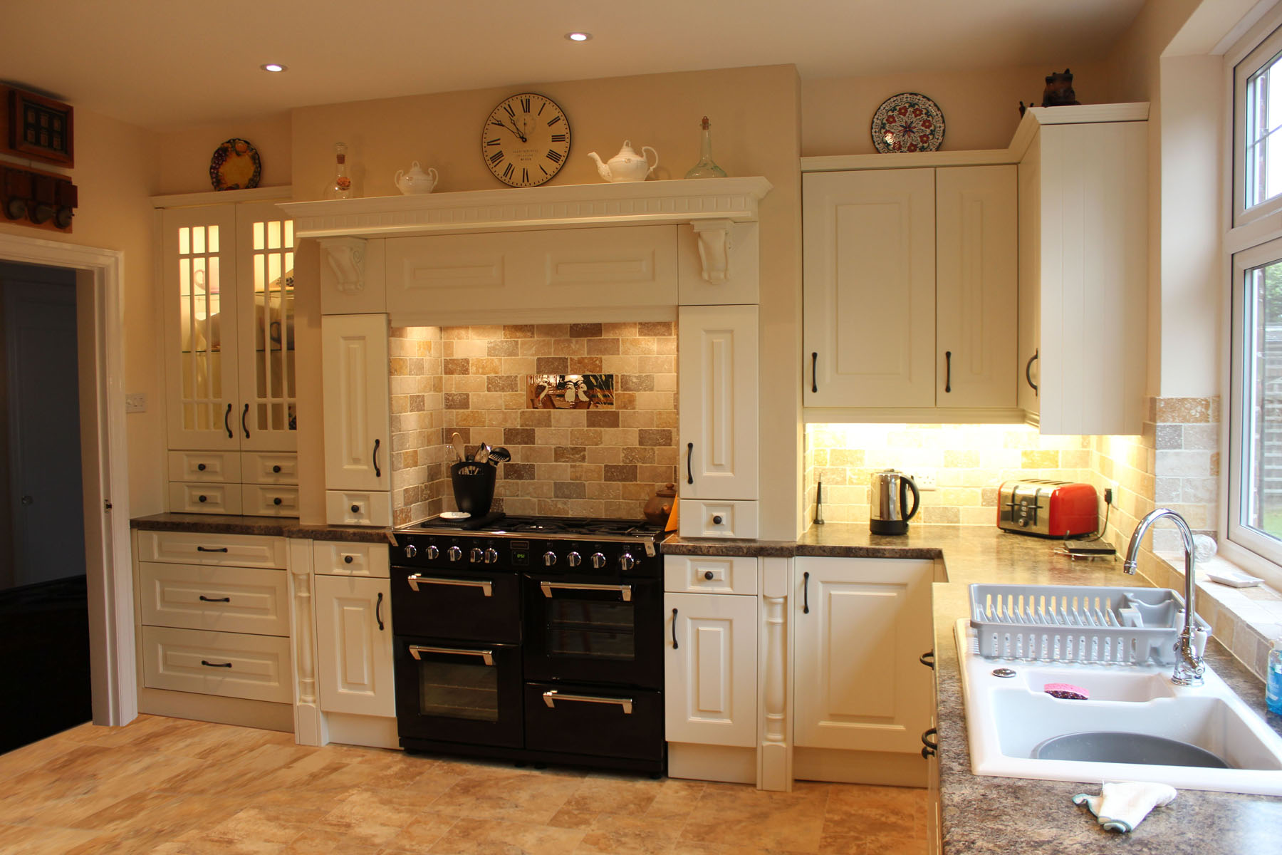 Image of: traditional cream kitchen designs