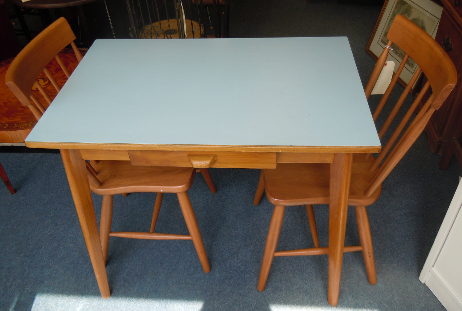 Image of: vintage formica table and chairs