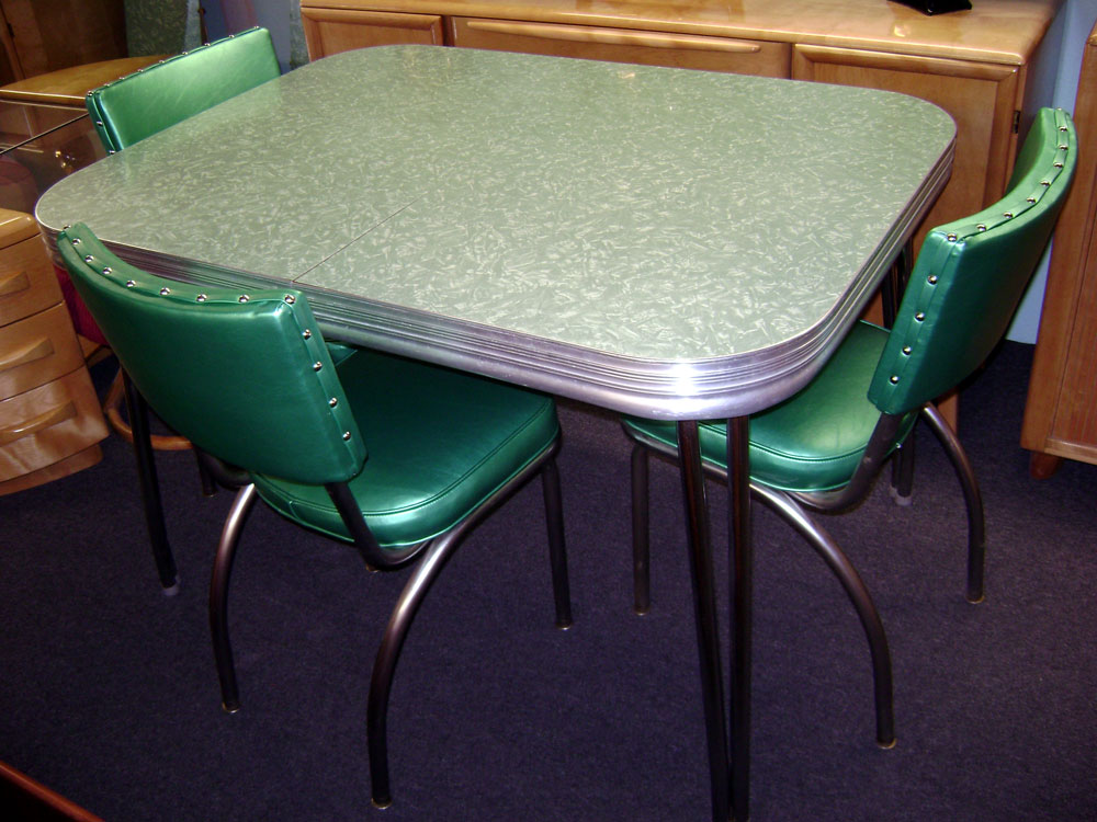 Image of: vintage formica table