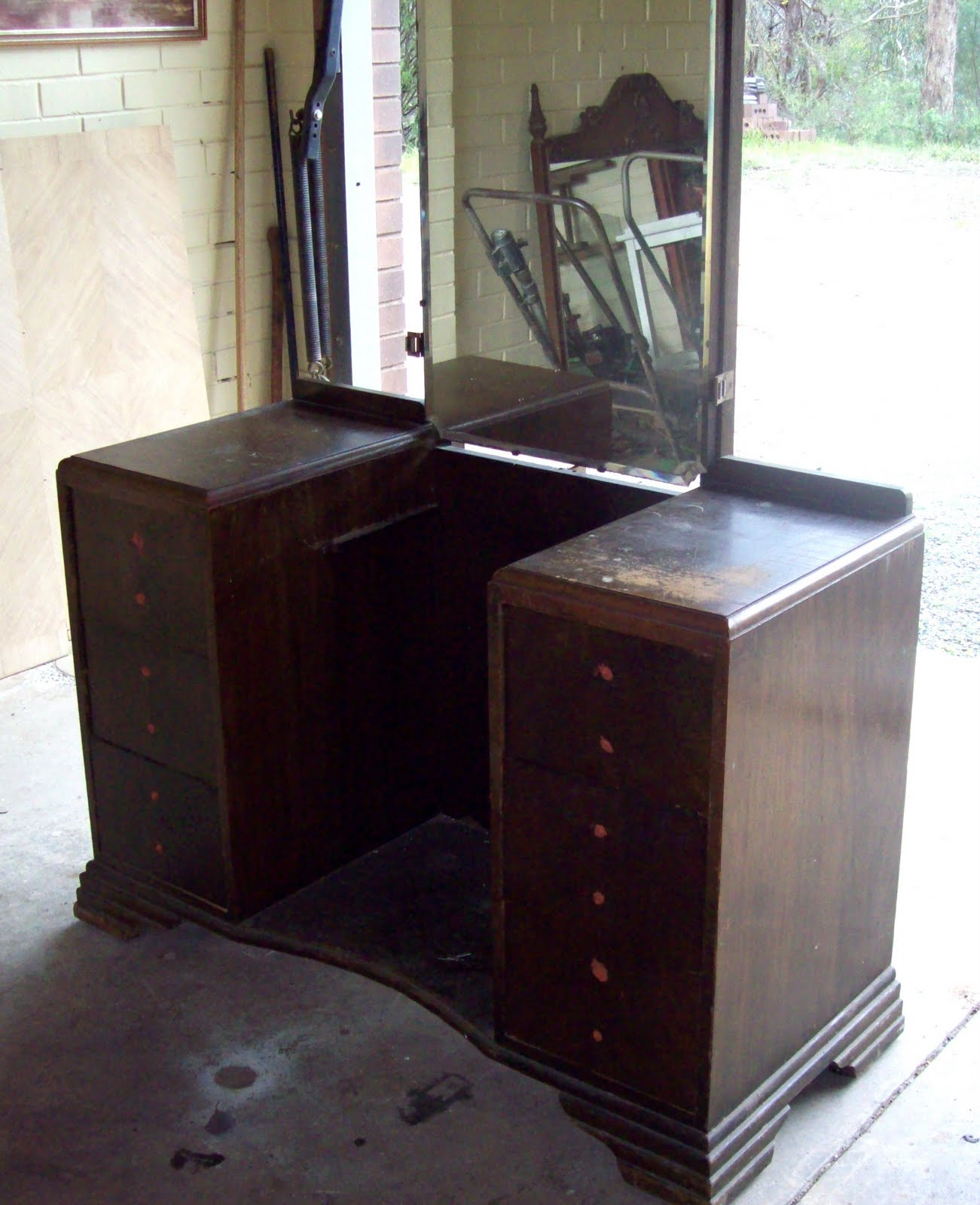 Image of: vintage vanity table los angeles