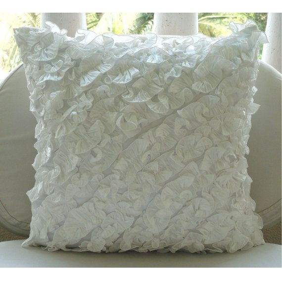 white throw pillows for couch